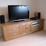 Sideboard in Oak for TV and Hi Fi