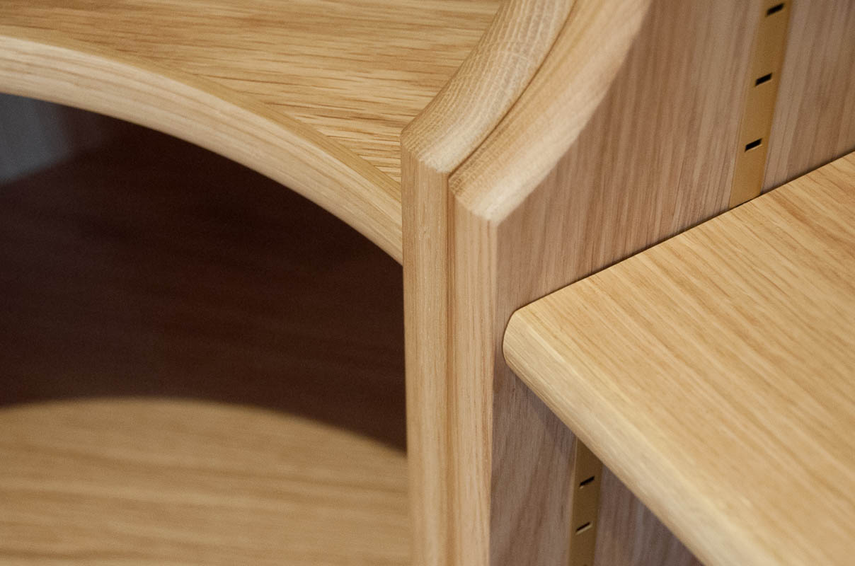 Oak bookcase detail