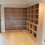Corner bookcase with adjustable shelves