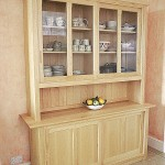 Colour wash & maple kitchen