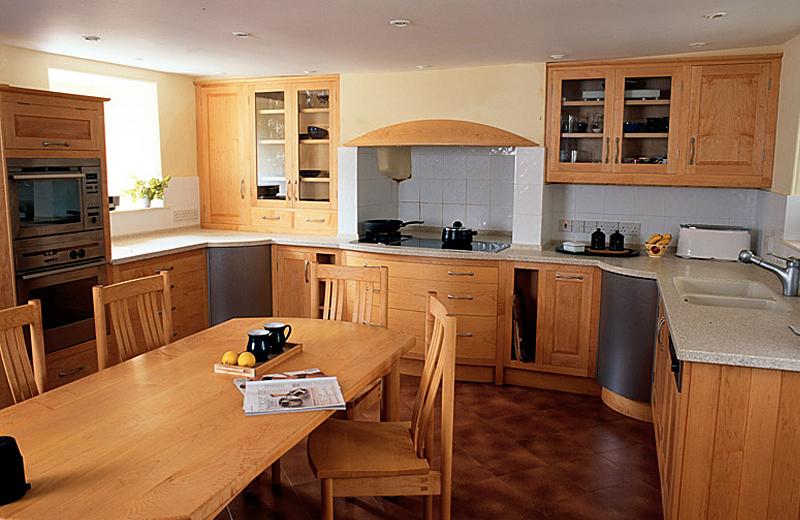 Oiled maple kitchen
