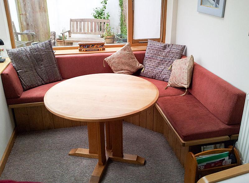 Built-in oak corner seat