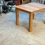 Simple extending oak table