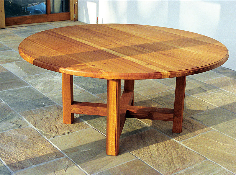 Round table in solid English Oak. The table is 1600mm diameter and is finished with linseed oil