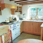 Oak cottage kitchen